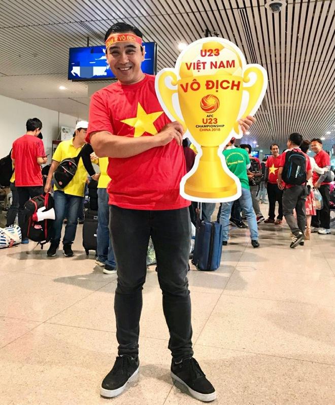 Binh Minh, Quyen Linh va cac nghe si toi Thuong Chau co vu U23 VN hinh anh 3