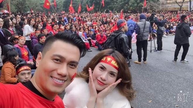 Nghe si Viet: 'U23 Viet Nam, hay ngang dau that cao' hinh anh 3