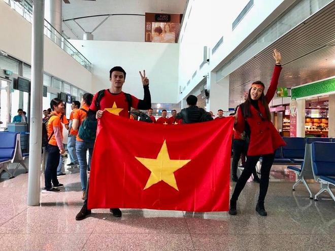 Binh Minh, Quyen Linh va cac nghe si toi Thuong Chau co vu U23 VN hinh anh 6