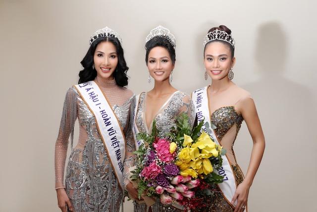 Hoang Thuy, Mau Thuy buon khi dan mau bikini don U23 VN bi miet thi hinh anh 1