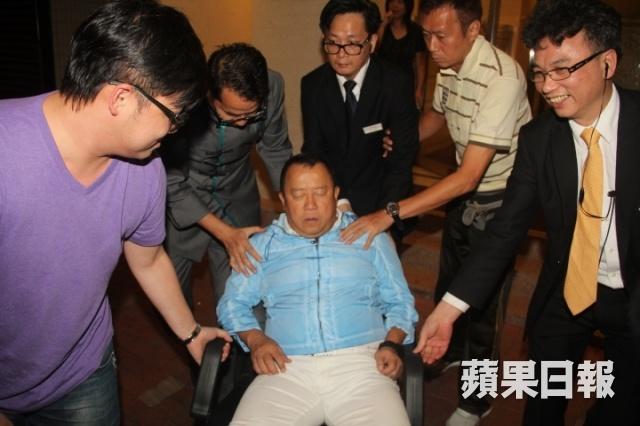 Co Thien Lac thay Tang Chi Vy lam 'anh lon' gioi dien vien Hong Kong hinh anh 3