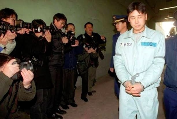 Vu sao nam Han Quoc bi bat 19 nam truoc: Che day bang sex cua ban gai? hinh anh 2