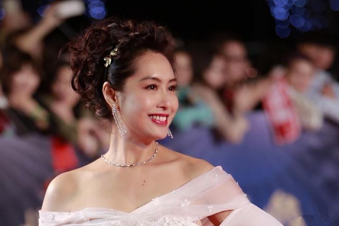 Nhan sac thay doi cua cac hoa dan TVB trong 50 nam qua hinh anh 7