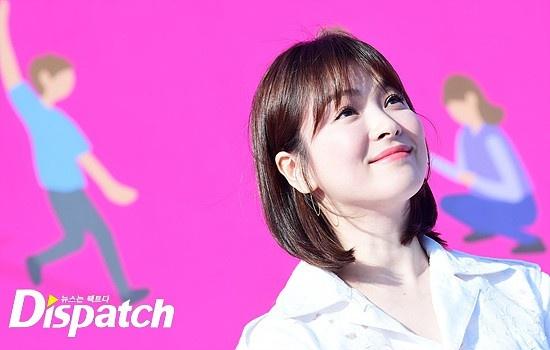 Song Joong Ki huy lich trinh de cung Song Hye Kyo toi Busan hinh anh 2