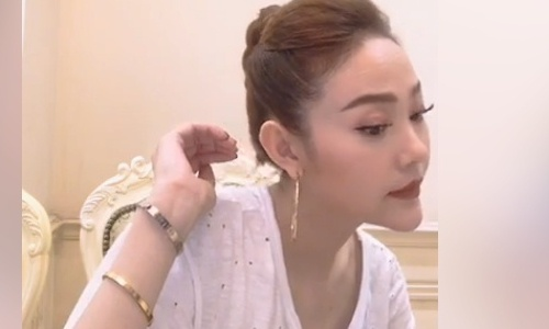 Clip Minh Hang gay chu y vi cam nhon bat thuong hinh anh