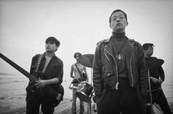 Canh gia cua rocker TQ phan ban, ngoai tinh va ly hon Vuong Phi hinh anh 2