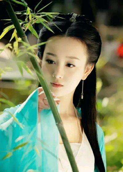nhan sac Truong Mong anh 4