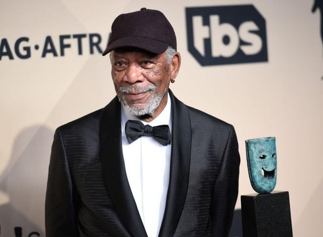 Dien vien 81 tuoi Morgan Freeman xin loi sau loat cao buoc quay roi hinh anh