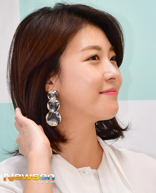 Ha Ji Won tuoi tre o tuoi 40, khong ngai tieng e chong hinh anh 3