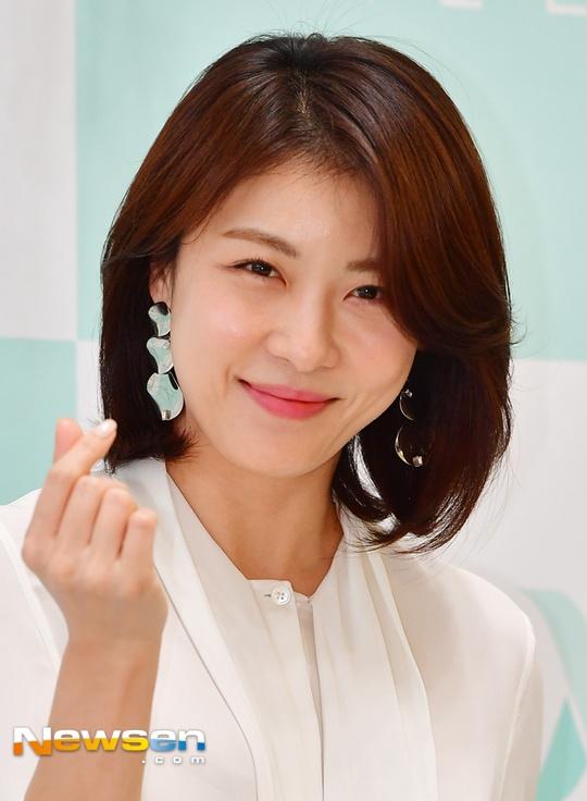 Ha Ji Won tuoi tre o tuoi 40, khong ngai tieng e chong hinh anh 4