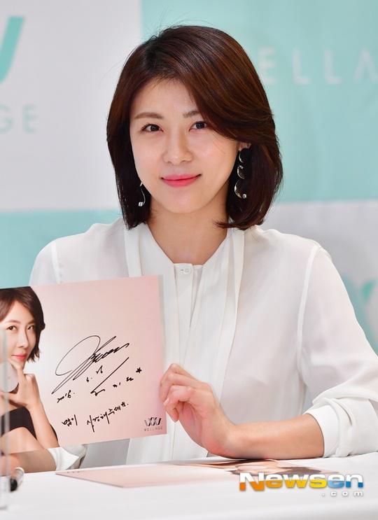 Ha Ji Won tuoi tre o tuoi 40, khong ngai tieng e chong hinh anh 6
