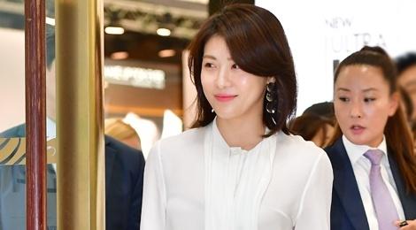 Ha Ji Won tuoi tre o tuoi 40, khong ngai tieng e chong hinh anh