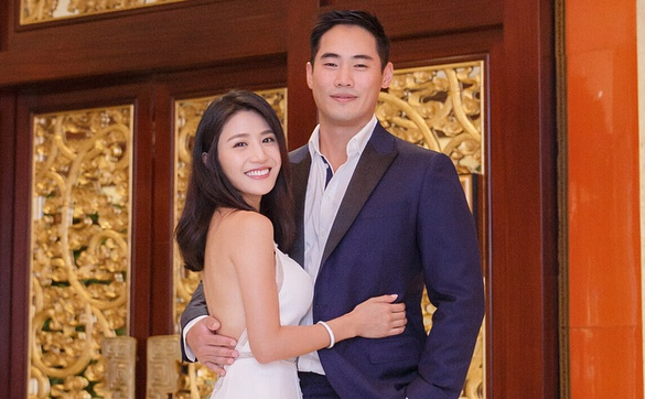 Le cuoi don gian cua sao nu TVB vuong be boi 'may mua' noi cong cong hinh anh