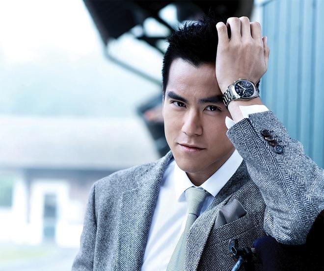 'Nam than' Banh Vu Yen hoang hot khi fan nu xinh dep nhao len om hon hinh anh 2