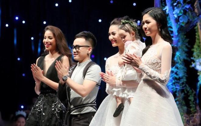 Huong Giang Idol len tieng ve viec bo show, bi che thieu chuyen nghiep hinh anh 3