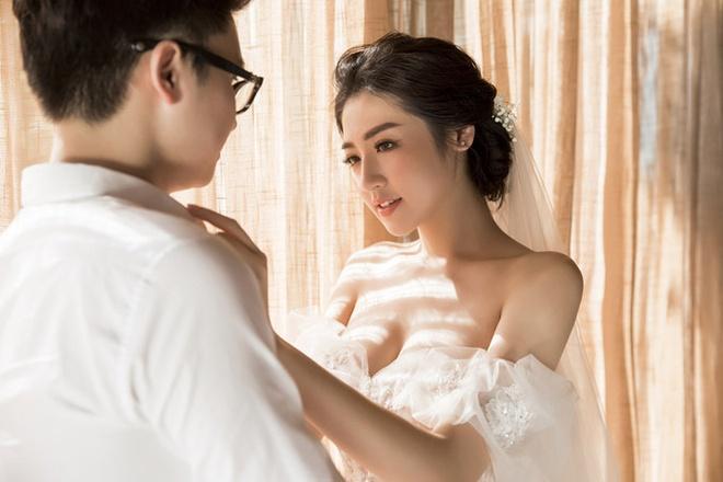 Mai Phuong Thuy va em gai den du le don dau cua A hau Tu Anh hinh anh 3