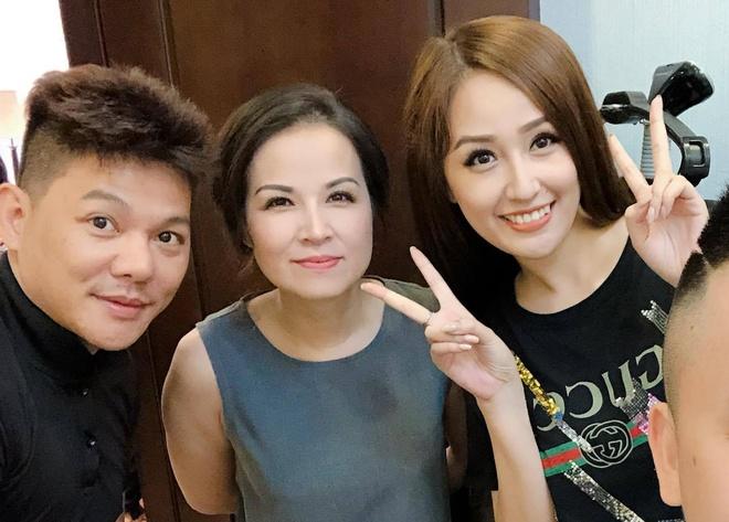 Mai Phuong Thuy va em gai den du le don dau cua A hau Tu Anh hinh anh 2