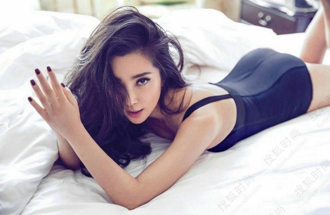 Ly Bang Bang tuoi U50: Van tre nhu gai doi muoi, ban trai kem 16 tuoi hinh anh