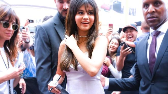 Selena Gomez ngay cang nong bong sau chia tay Justin Bieber hinh anh 5