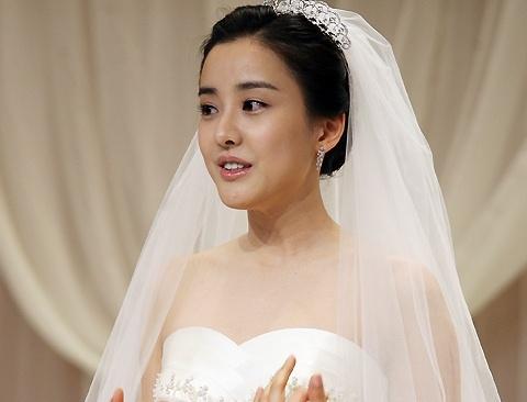 Nguoi dep 'Dae Jang Geum' ly hon sau 10 nam cuoi hinh anh