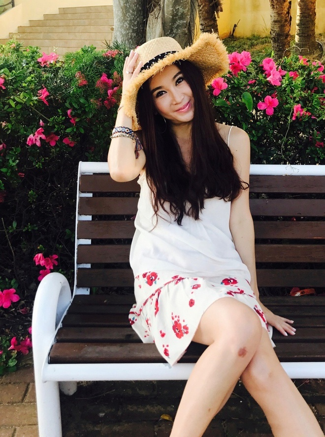 Gu thoi trang cua 'Phan Kim Lien' On Bich Ha o tuoi 52 hinh anh 4