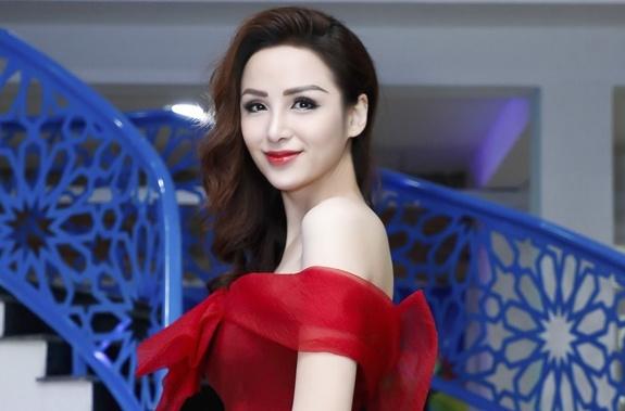 Guong mat Hoa hau Diem Huong khac la, bi che 'khong con net rieng' hinh anh