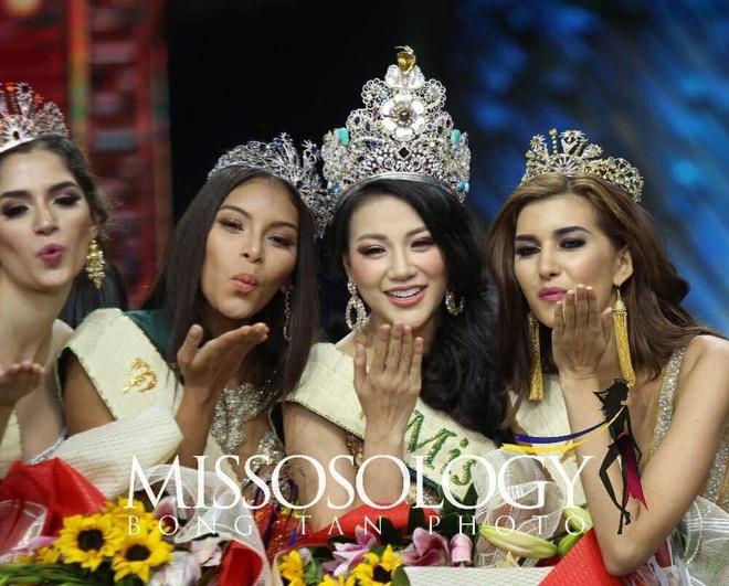 Phuong Khanh dang quang Miss Earth anh 7
