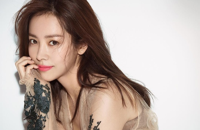 Han Ji Min - sao nu gay tranh cai tro thanh anh hau Han Quoc hinh anh 9