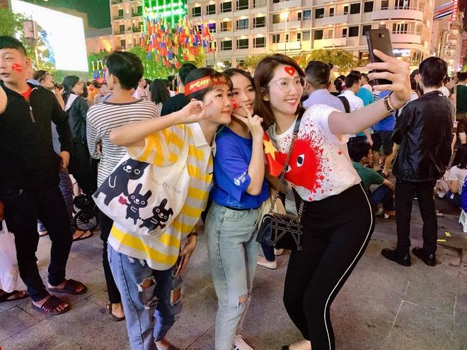 Thúy Ngân tin chắc Việt Nam sẽ giành cúp vàng tại AFF Cup 2018.