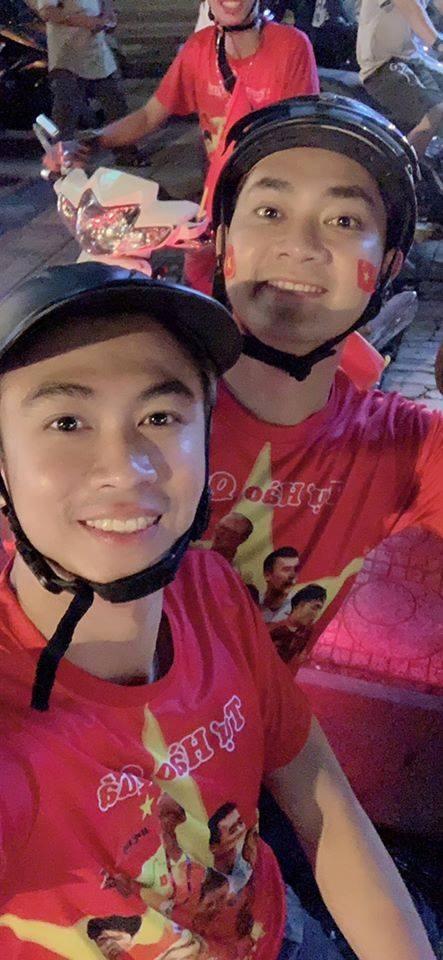 Hang loat sao Viet xuong duong di bao mung chuc vo dich AFF Cup 2018 hinh anh 5