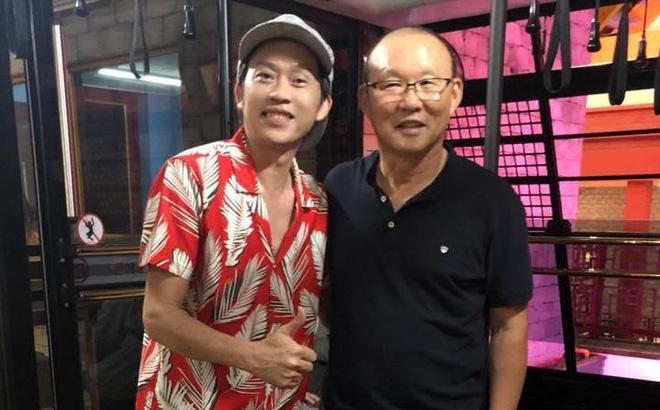 Nghe si Hoai Linh: 'Cam on bau Duc, cam on Park Hang-seo va doi tuyen' hinh anh 1