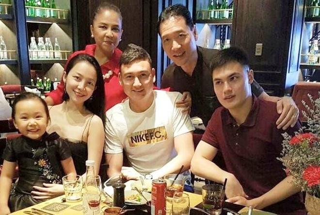 Linh Nga: 'Dang Van Lam, nha minh o Nga va Sai Gon deu khoc vi em' hinh anh