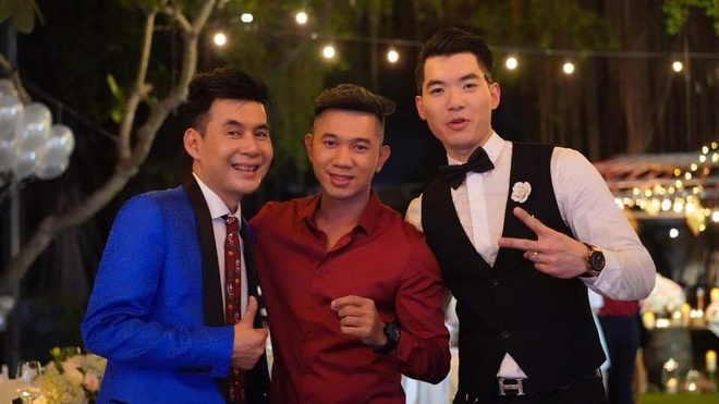 Dan nghe si Viet du le cuoi cua Truong Nam Thanh trong dem Noel hinh anh 4