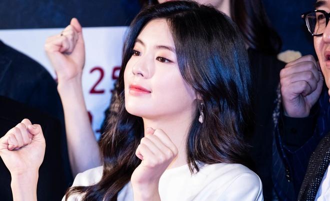 Ban gai Lee Kwang Soo - my nhan tai, sac duoc o be cua showbiz Han hinh anh