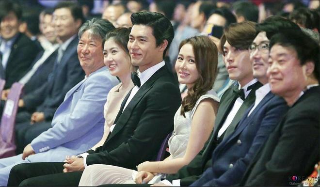 Hyun Bin va Son Ye Jin len tieng ve tin hen ho bi mat o My hinh anh 1