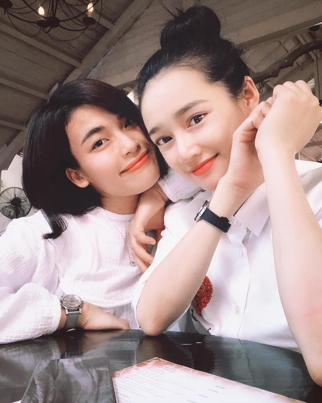 Nha Phuong duoc khen xinh dep sau mot thang sinh con hinh anh 2