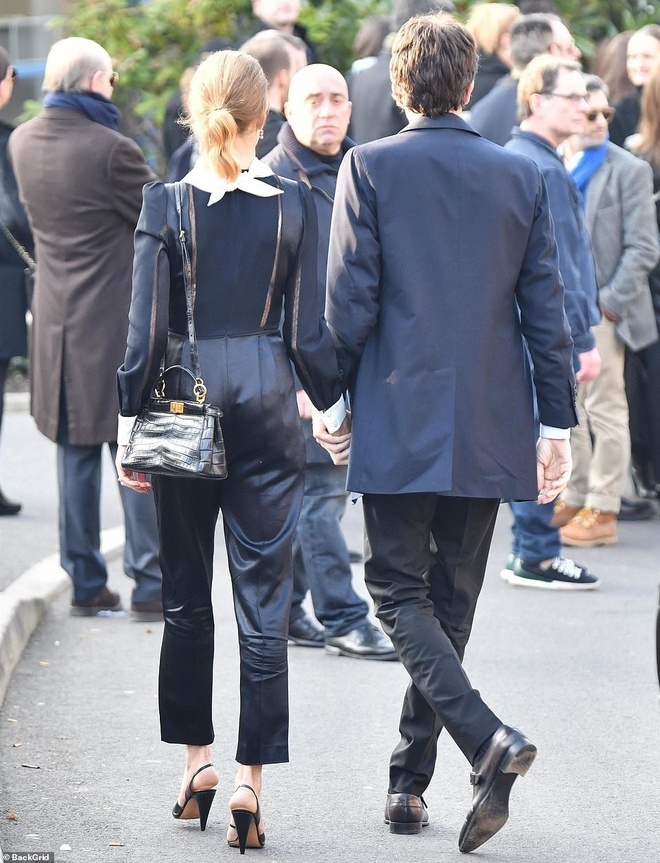 Cong chua Monaco, ban be va dan sao den le hoa tang Karl Lagerfeld hinh anh 8