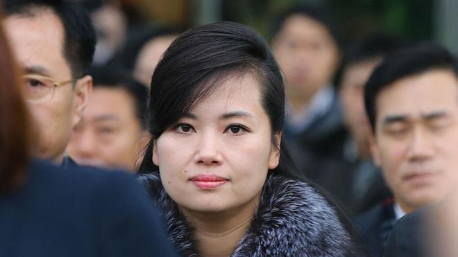 Nhan sac nu ca si quyen luc thap tung ong Kim Jong Un den Ha Noi hinh anh 3