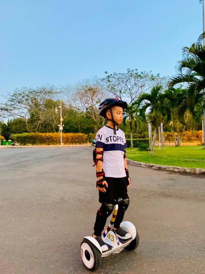 Con trai Cuong Do La - Ha Ho lon phong phao, hoc gioi, thich the thao hinh anh 9