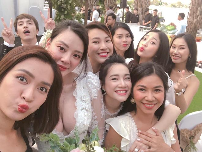 Nha Phuong, Hoang Oanh va Ai Phuong gay chu y trong le cuoi ban than hinh anh 1