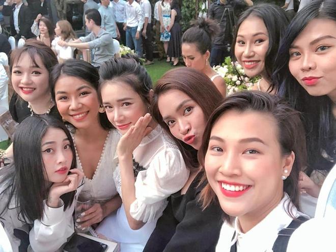 Nha Phuong, Hoang Oanh va Ai Phuong gay chu y trong le cuoi ban than hinh anh 2