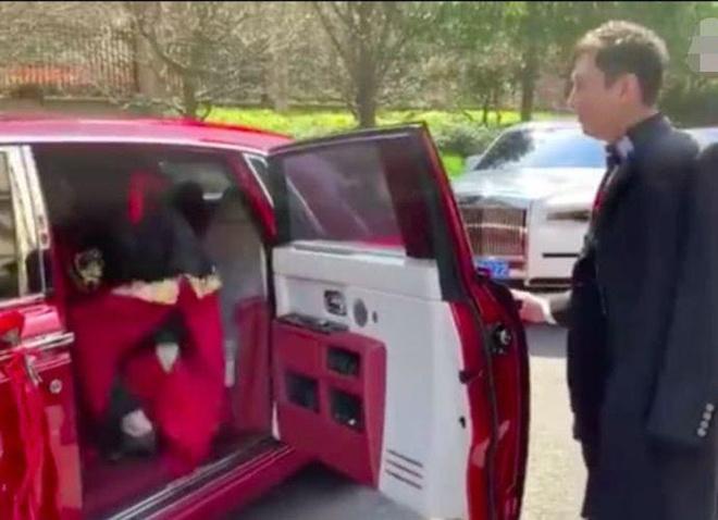 Thieu gia TQ tang Rolls-Royce trieu USD mung cuoi MC xinh dep hinh anh 6