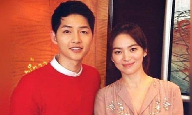 Song Joong Ki dang anh tinh cam voi Song Hye Kyo sau tin ngoai tinh? hinh anh 1