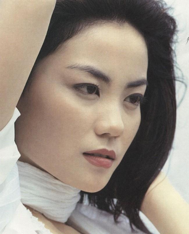 Vuong Phi - nguoi dan ba dep khien Ta Dinh Phong si me suot 20 nam hinh anh 4