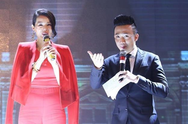 MC Tran Thanh tro tai 'noi nhu gio' tieng Trung va tieng Anh hinh anh