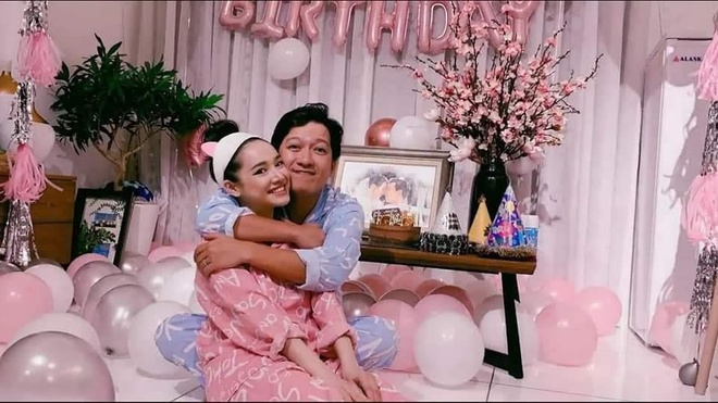Truong Giang mac do ngu, om hon Nha Phuong o tiec sinh nhat 36 tuoi hinh anh 1