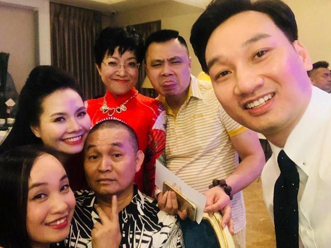 Thanh Trung, Thao Van bi Tran Luc noi dan dam cuoi 'gia doi, tho lo' hinh anh 1