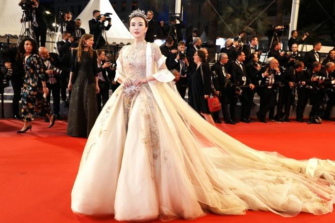 My nhan Trung Quoc bo hang nghin USD mua ve du tham do Cannes hinh anh 3