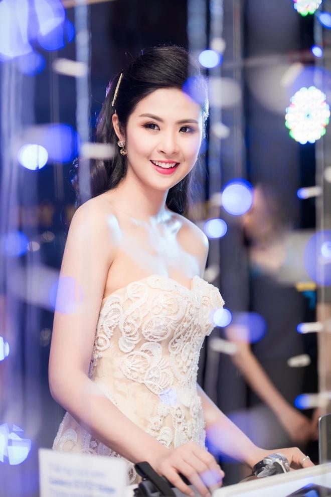 Hoa hau Ngoc Han lan hiem hoi dien bikini sau 9 nam dang quang hinh anh 7