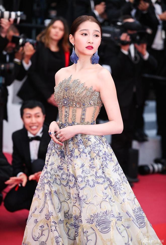 Sao nu Trung Quoc gay chu y o Cannes vi qua giong Song Hye Kyo hinh anh 5